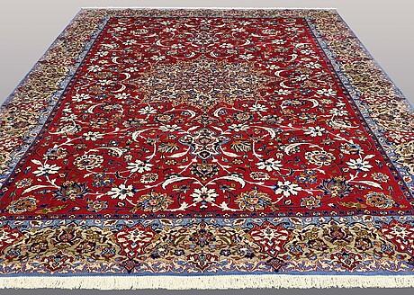 A carpet, esfahan, ca 460 x 320 cm.