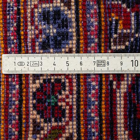 A carpet, kashan, ca 317 x 208 cm.