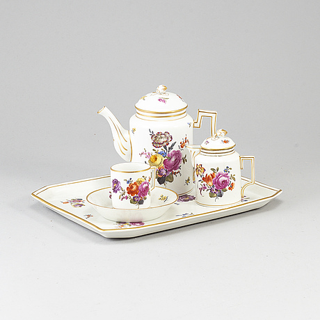 A group of four porcelain tea and coffe service, germany,  19th century.