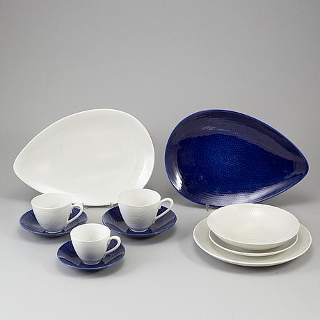 Hertha bengtson, a part 'blå eld' earthenware service, rörstrand (29 pieces).