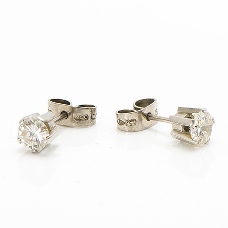 A pair of 18k white gold earrings with diamonds ca. 1.10 ct in total by a tillander 1962.