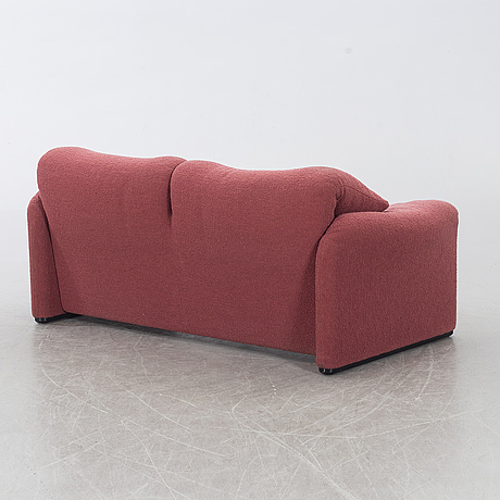 "Vico magistretti, soffa ""maralunga"" cassina, italien, 1900-talets andra hälft."