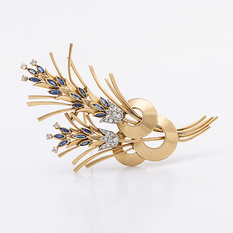 Brooch 18k gold w sapphires and old-cut diamonds.