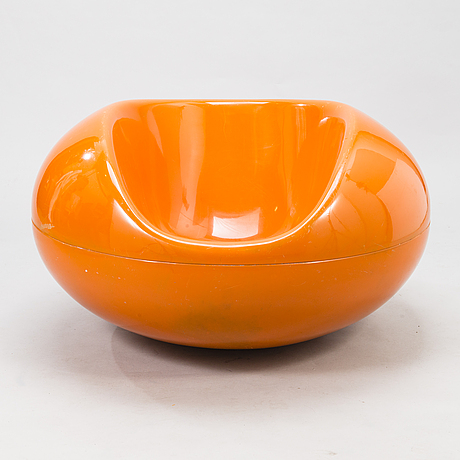Eero aarnio, a 1970's  'pastil chair' for asko.