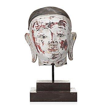 101. A Thai sculpture of Buddhas head, 20th Century.