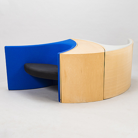 Eero aarnio, two'delfin' chairs and a table for adelta.