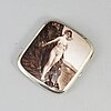 A 900/1000 silver cigarette case with an enamelled decoration to the lid, ca 1900.