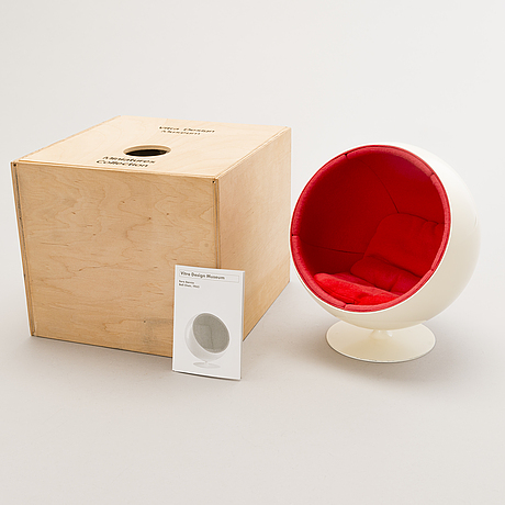 Eero aarnio, a miniature, 'ball chair',  vitra design museum.