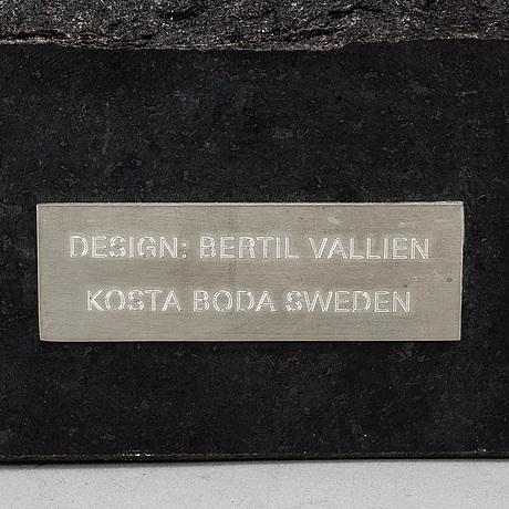 Bertil vallien, an unique glass sculpture, kosta boda.