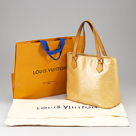 "Louis vuitton, a ""houston"" handbag."