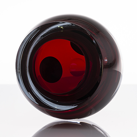 "Timo sarpaneva, a glass sculpture, ""claritas"", signed timo sarpaneva iittala 2011."