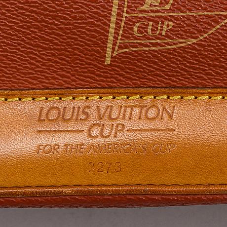 Louis vuitton, '2925 americas cup touquet bag'.