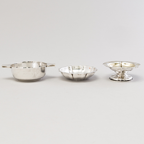Three silver bowls from saint petersburg 1854, vienna 1971 and sheffield 1917.