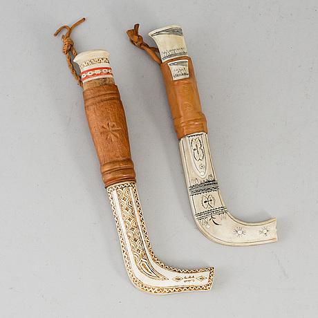 Two sami reindeer horn knives, signed. torsten lustig, -89 and adolf viktor, dundret.