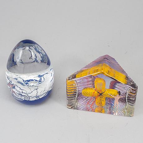 Bertil vallien, two glass sculptures. kosta boda.