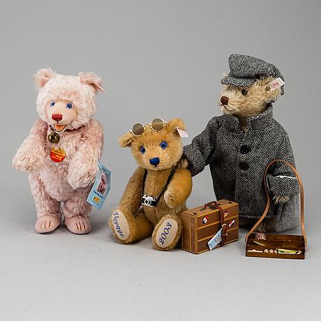 "Steiff, 3 teddy bears ""bon voyage 2003"", ""rosey"" & ""berliner milieu""."