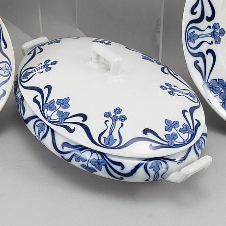A 'sylvia' part dinner service, rörstrand, 20th century (84 pieces).