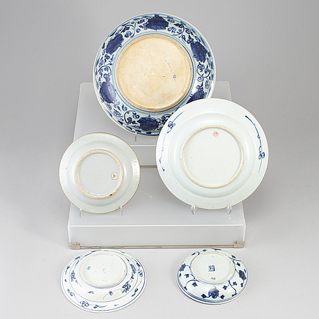 Five blue and white dishes, ming dynasty (1368-1644).