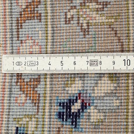 Gallerimatta, kashan, ca 305 x 100 cm.