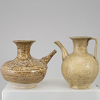 Two kendi pots, South East Asia, 16th Century.