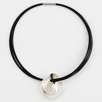 VIVIANNA TORUN BÜLOW-HÜBE, pendant/brooch, 'Möbius' Georg Jensen, sterling silver.