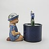 """Lisa larson, can with lid and a """"stella"""" figurine, stone wear, gustavsberg."""
