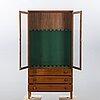Display cabinet/weapon cabinet, 1900-talets senare del.