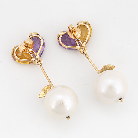 Citrine and amethyst in heartshaped pattern, cultured white freshwater pearl and diamonds.