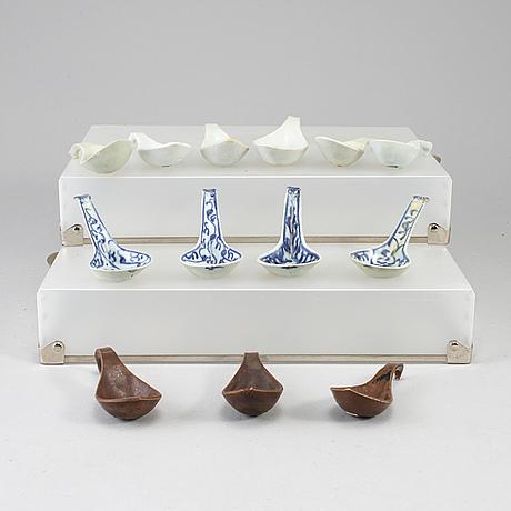 Thirteen porcelain spoons, presumably ming dynasty, 17th century.