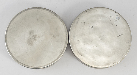 Two pewter jars from gab tenn, stockholm, 1933-36.