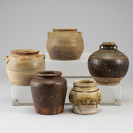 Five pottery jars, sotuh east asia, 19th/20th century.