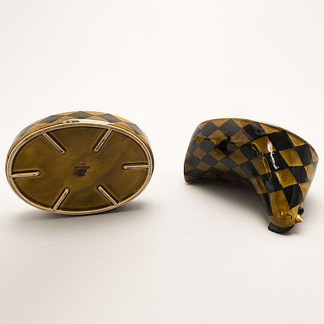 Kaarina aho, a 1950s ceramic box in two parts for arabia.