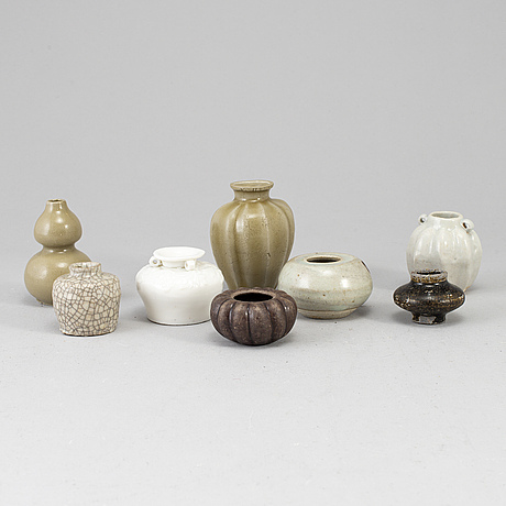 A group of eight southeast asian  ceramic miniatures, 20th century.