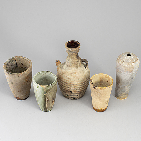 A group of five southeast asian ceramics, 20th century.