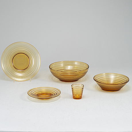 Aino aalto, a 15-piece part 'bölgeblick' glass service, karhula, finland, 1930's.