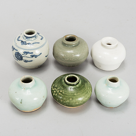 A group of six southeast asian ceramic jars, 19th/20th century.