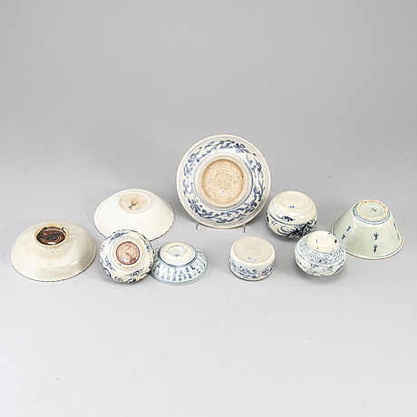 A group of south east asian ceramics, 18th century and later. (9 pieces).