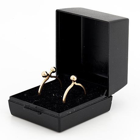 Theresia hvorslev, two rings in 18k gold.