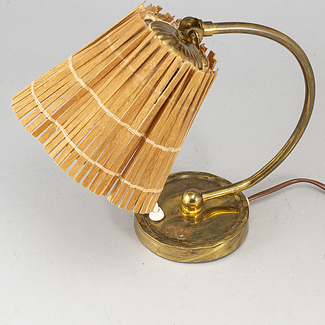 Paavo tynell, a model 61032 table light from idman, finland.