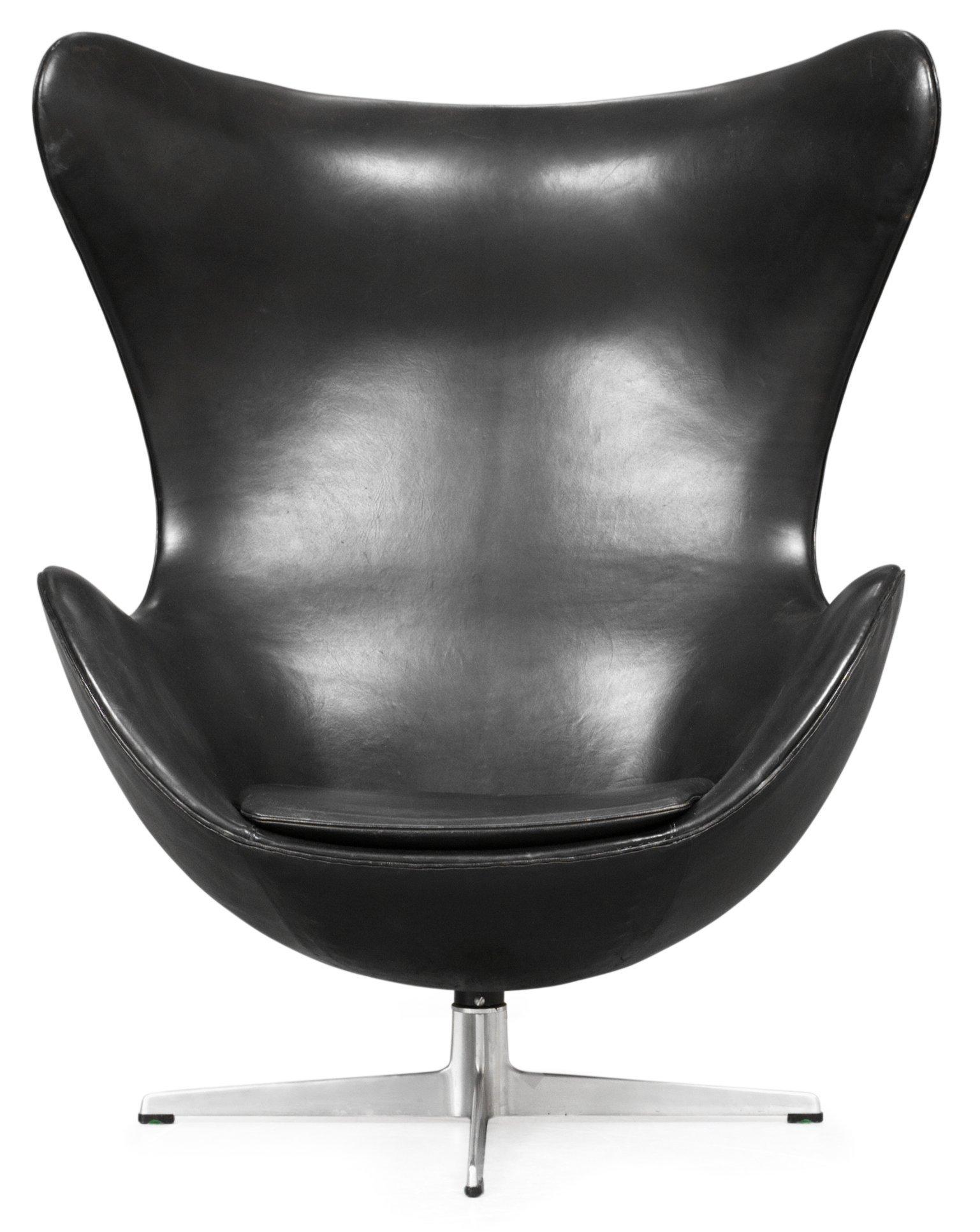 "ARNE JACOBSEN, fåtölj,""ägget Egg Chair"", Fritz Hansen, Danmark 1960 tal Bukowskis"