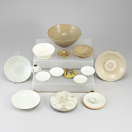 A group of 14 ceramics, southeast asia and qingdynasty, 18-20th century.