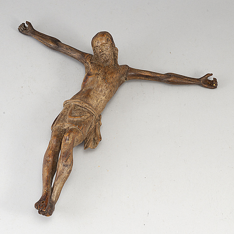 A carved wood crucifix, 18th/19th century.