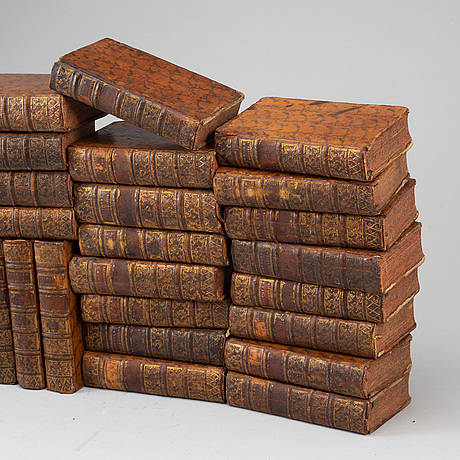 A set of 32 18th century books.