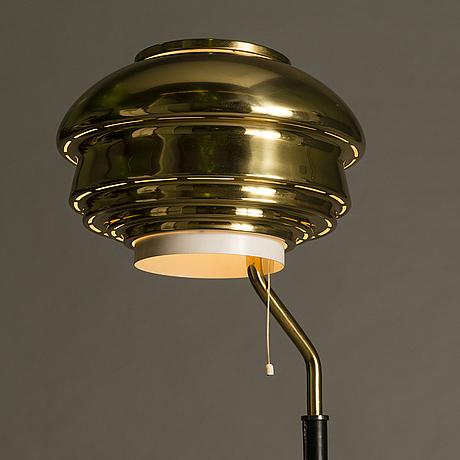 Alvar aalto, a 'a808' floor lamp for valaistustyö.