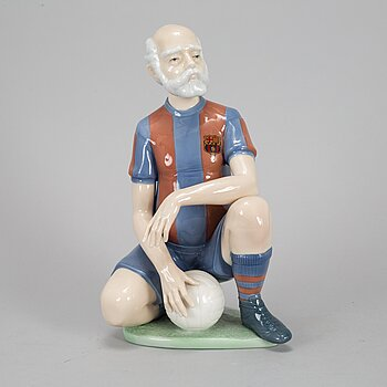 A Lladro porcelain figurine special edition for FC Barcelona.