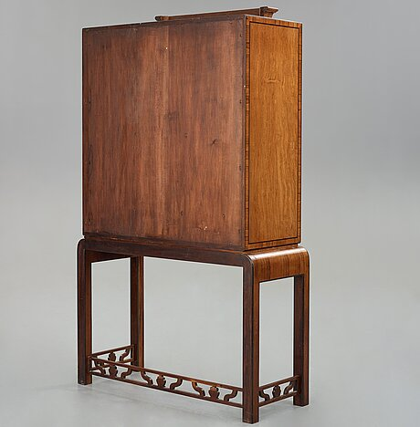 GÖsta thorell, a journeyman cabinet, executed at august persson's workshop for the cabinetmakers association, 1931.