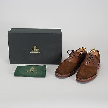 Crocket & jones, a pair of 'snuff suede/tan grain rubber sole' shoes, england, size 45 (10,5).