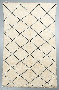 Matta, Marocko, ca 295 x 185 cm.