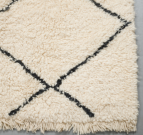 A carpet morocco, 295 x 185 cm.
