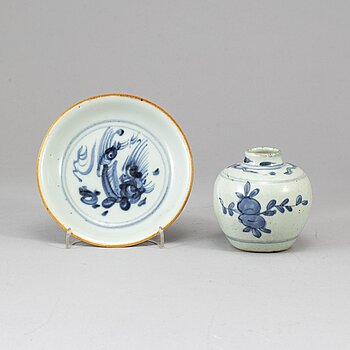 A group of blue and white dish and jar, Ming dynasty.